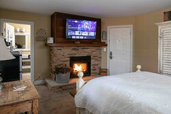 Each room of our inn comes with a flat-screen tv equipped with Google Chromecast