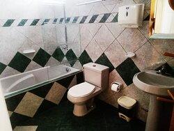 baño de la sala 3