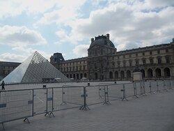 Louvre - outside