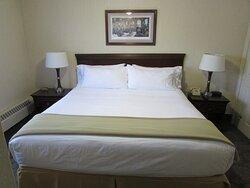 "IHG Army Hotels ""Five Star Inn"" King Guest Bedroom"