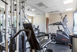 Exercise room with cardio equipment