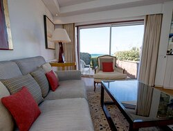 Executive Suite Lounge Area View