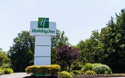 Welcome to the Holiday Inn Philadelphia South Swedesboro NJ
