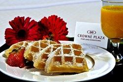 Waffle Breakfast: Crowne Plaza Portland Downtown