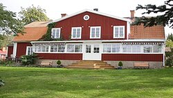 Hotell Sommarhagen is surrounded by a large beautiful garden