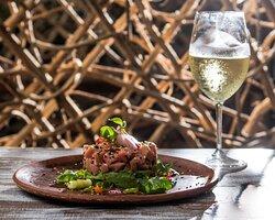 Tuna Tartare & Wine