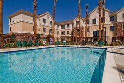Staybridge Suites Palmdale - Swimming Pool
