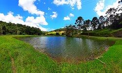 Lagoa na entrada da Fazenda.