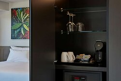 travelodge hotel wynyard quarter auckland executive room kitchenette