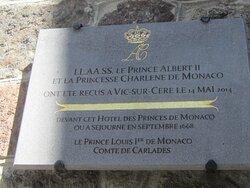 Hôtel des Princes de Monaco. Vue 1. Le Comté de Carladès offert en 1643 par Louis XIII à Honoré II Grimaldi, Prince de Monaco, Changeant du Protectorat Espagnol à Celui Français jusqu'en 1793. Vic Sur Cère 15800.
