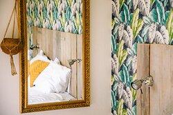 Detailfoto van het bed in kamer Groede