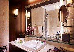 Cozy Premier Room - Guest Bathroom