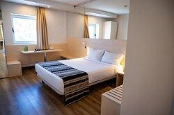 761799 Guest Room
