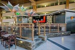 Lounge at Crowne Plaza Suffern-Mahwah Hotel