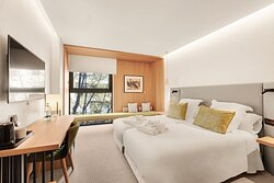 480353 Guest Room