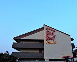 Red Roof PLUS+ Chicago - Hoffman Estates