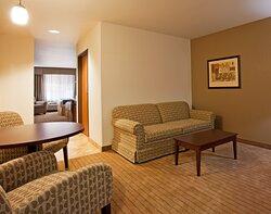 Holiday Inn Express & Suites Antigo Family Suite