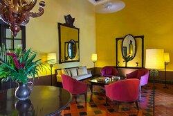 Uayamon Lounge