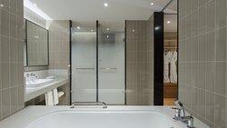 Suite Bathroom Amenities