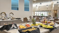 Bellini Cafe open for Breakfast