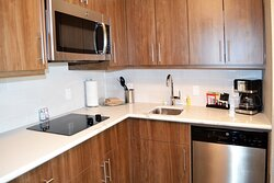 King One Bedroom Kitchen Counter