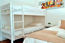 086577 Guest Room