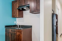 Accessible King Kitchenette