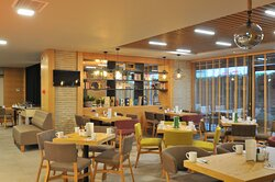 Open Lobby Restaurant