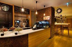 To Go Cafe & Starbucks