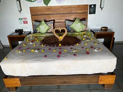 bed decoration upon arrival