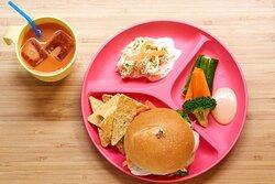 お子様メニュー・チキンバーガーKids burger set