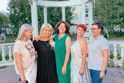 Просто красивое фото наших любимых и счастливых гостей! Обязательно приходите в гости снова  ❤️