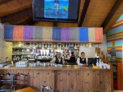 Excelente lugar, así mismo la atención de Don Abraham y su cuerpo de meseros y cocineras. Muy recomendable!!!
