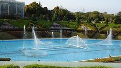 30分毎にショーが行われる大噴水池