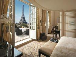 Duplex Terrace Eiffel View Suite