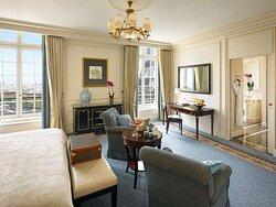 Eiffel View Room