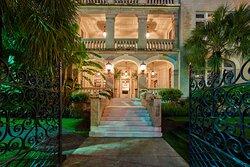 Hotel Havana Exterior