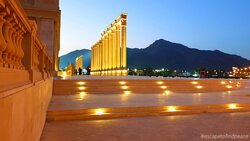Khor Fakkan waterfalls is one the latest attraction just opposite to the Khor Fakkan Beach. Not much to do around here other than enjoy the waterfalls and walk around the open amphitheatre.