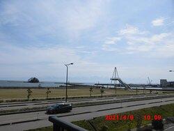 屋上展望台から富山湾を