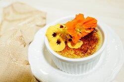Creme brûlée with edible flowers
