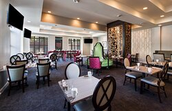 Bistro 520 Restaurant and Bar combines style and comfort