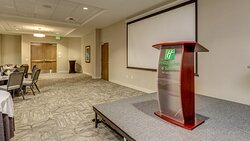 corporate meeting space available for large training events