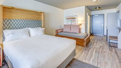 Two queen rooms with trundle bed, great for large groups