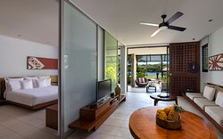 1 King Suite Lagoon View - Ground Floor