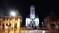 MURSKA SOBOTA – cerkev je zgrajena v neogotskem stilu leta 1910 po načrtih Ernöja Gerleya, arhitekta iz Budimpešte. V rozeti nad oltarjem je barvno steklo s sliko Martina Luthra.