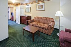 1 Bedroom Suite-2 Queen Beds