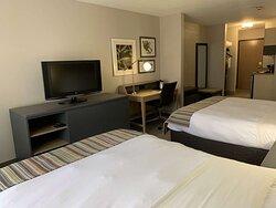 Studio Suite-2 Queen Beds