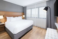 1 Bedroom Suite-King Bed