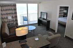 1 Bedroom Suite-King-Oceanfront-Sofabed