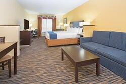 King studio suite featuring sofa sleeper